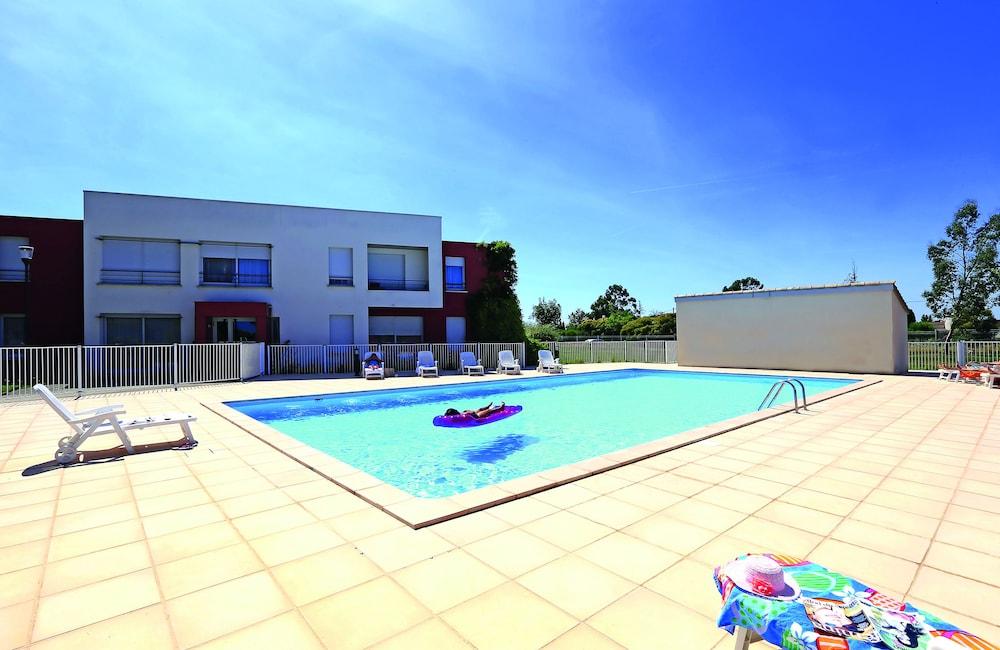 Appart city toulouse a roport cornebarrieu ex park suites for Piscine cornebarrieu