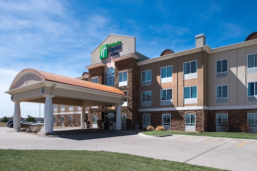 Holiday Inn Express & Suites Wichita Northwest, an IHG Hotel