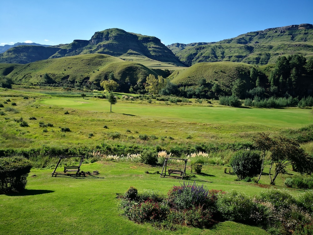 Hiking, Premier Resort Sani Pass