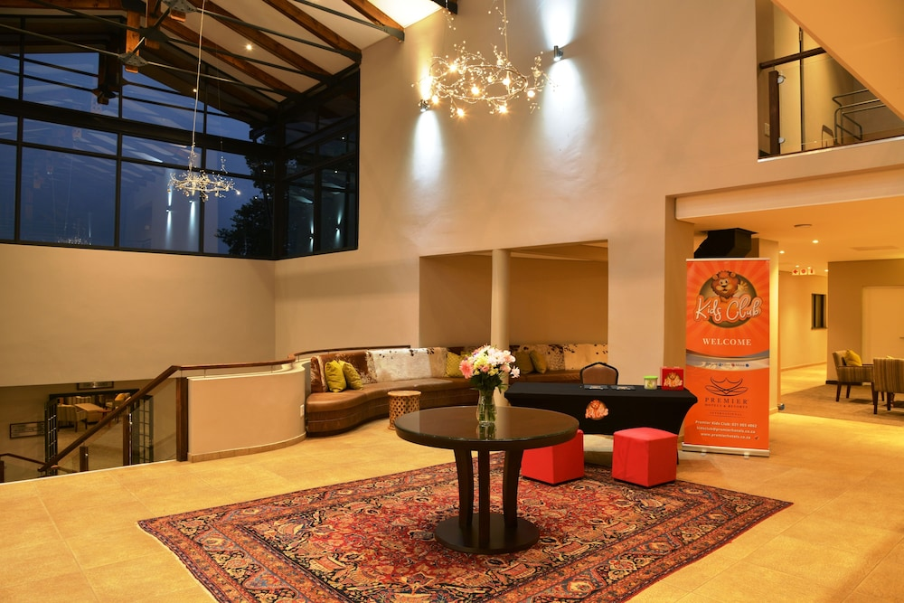 Lobby Sitting Area, Premier Resort Sani Pass
