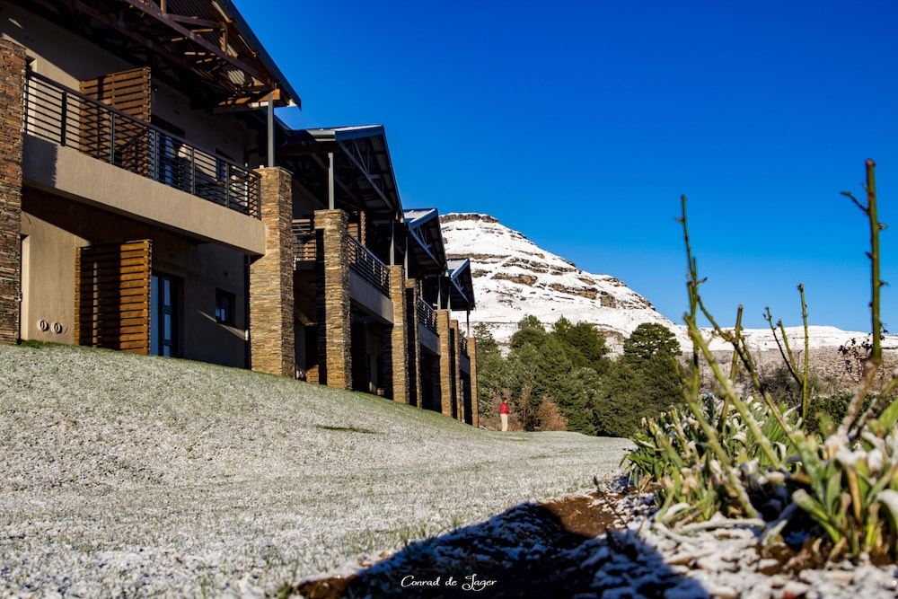 Exterior detail, Premier Resort Sani Pass