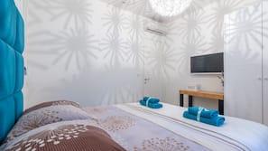 1 bedroom, Frette Italian sheets, memory foam beds, in-room safe