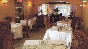 Se sirven desayunos, almuerzos, cenas y cocina francesa