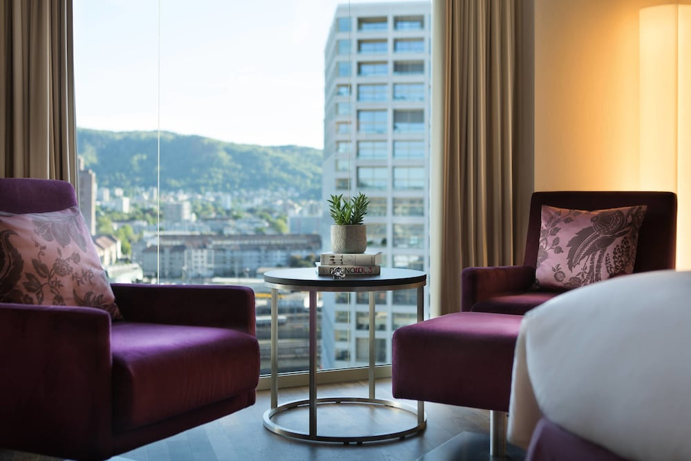 Room, Renaissance Zürich Tower Hotel