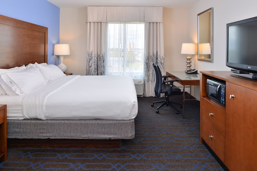 Great Place to stay Holiday Inn Express Hotel & Suites Terre Haute near Terre Haute