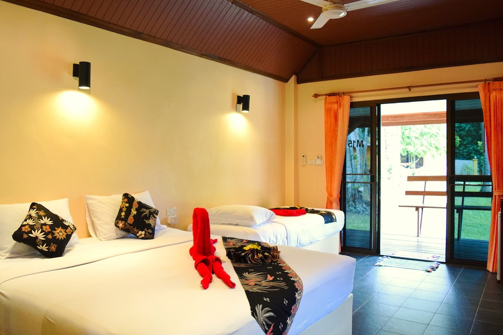 Lanta Pearl Beach Resort Opens In New Window