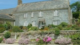Degembris Farmhouse - Newquay Hotels