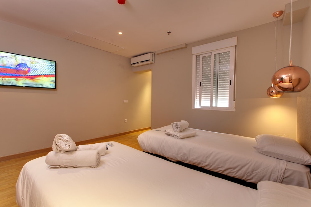Apartments arenal madrid esp expedia for Hotel arenal madrid