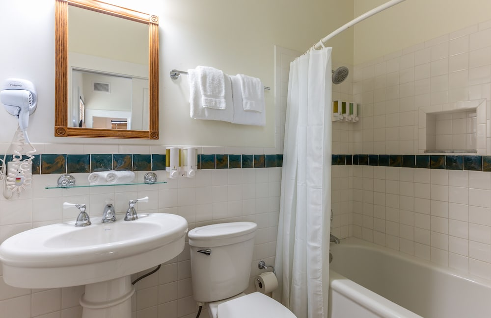 Bathroom, The Southernmost Inn-Adults Only