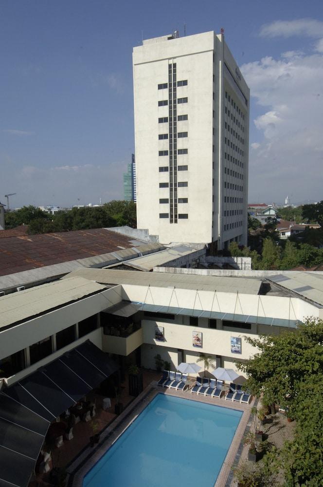 singgasana hotel makassar makassar idn airasiago rh airasiago co id Berita Kota Makassar Pantai Losari Makassar