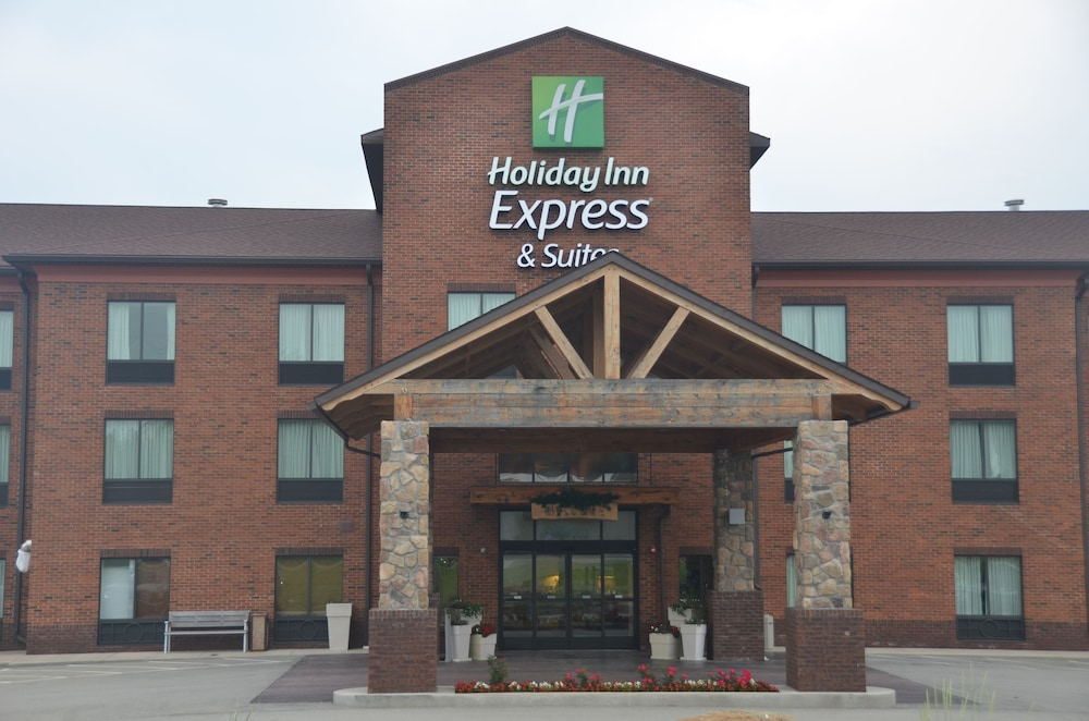 Exterior, Holiday Inn Express Hotel & Suites Donegal