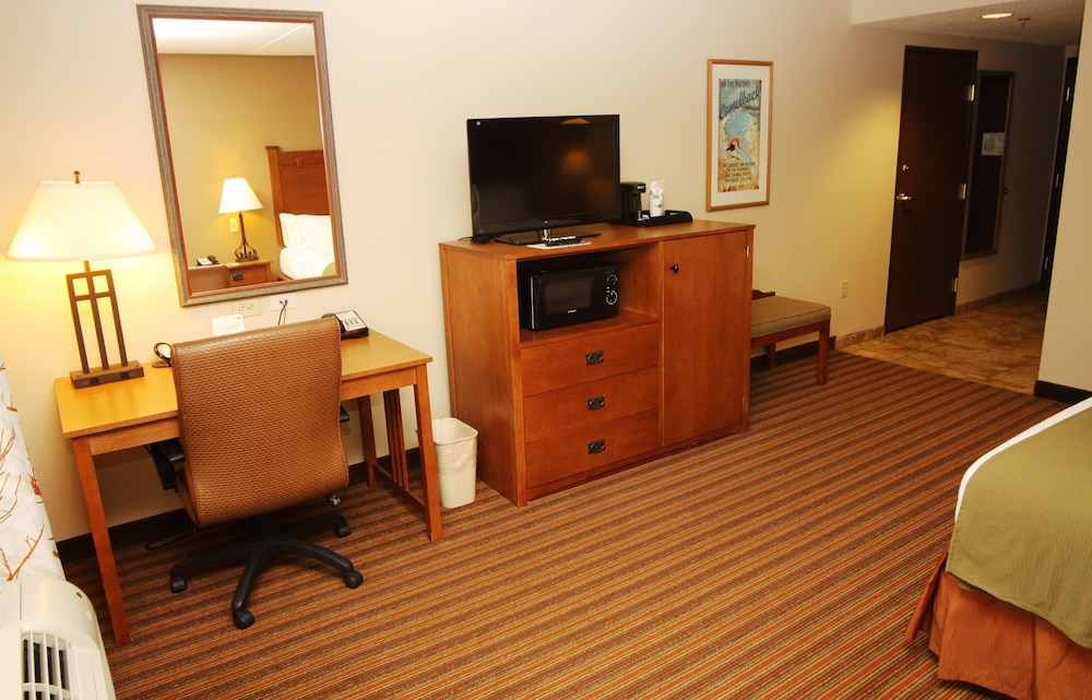 Room, Holiday Inn Express Hotel & Suites Donegal