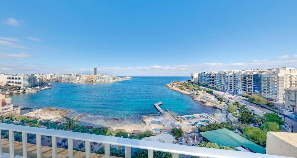 Carlton Hotel Malta Reviews