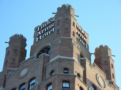 Check Expedia for Availability of The Tudor Arms Cleveland - a DoubleTree by Hilton