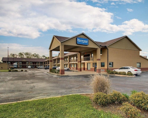 Great Place to stay Rodeway Inn & Suites near Richland