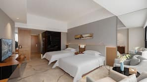 메모리폼 소재 침대, 미니바, 객실 내 금고, 책상