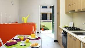 Réfrigérateur, four, cafetière/bouilloire