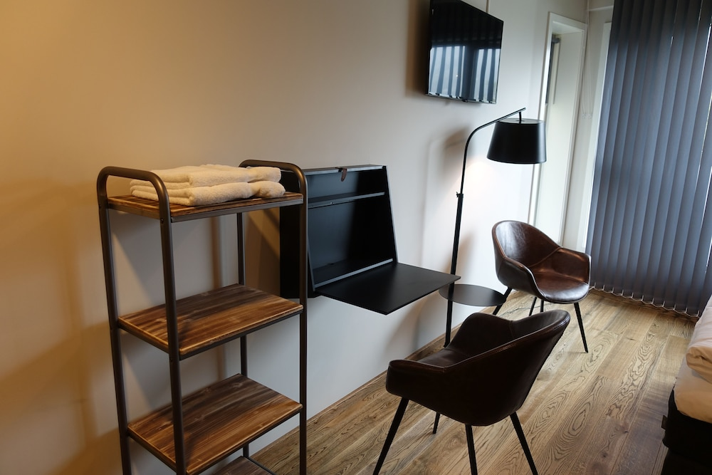 In-Room Business Center, Trolltunga Hotel