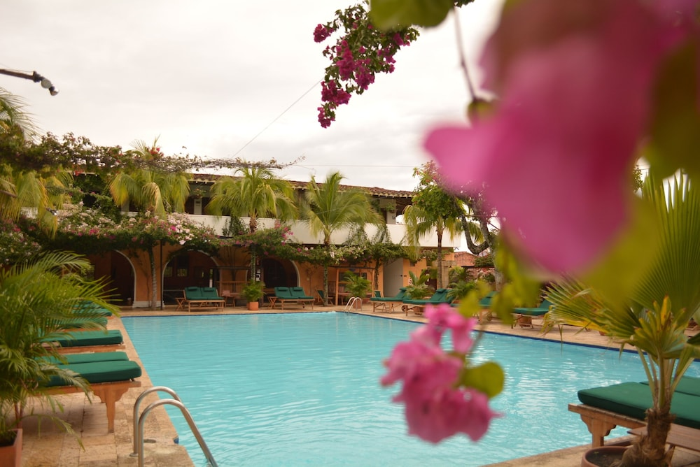 Hotel Mariscal Robledo 3 0 Out Of 5 Mountain View Featured Image