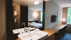 Pillowtop-bedden, een kluis op de kamer, een bureau, gratis wifi