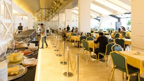 Daily buffet breakfast (KWD 3.5 per person)