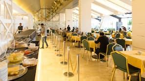 Daily buffet breakfast (KWD 3.5 per person)