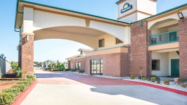 Days Inn by Wyndham Baytown East