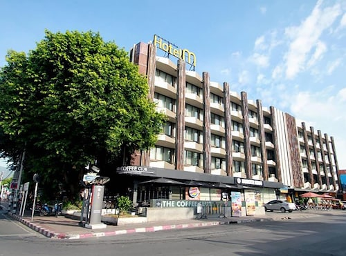 hotels near oriental massage chiang