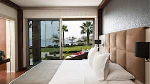 Minibar, Zimmersafe, individuell dekoriert