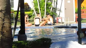 Outdoor pool, open 9 AM to 9:30 PM, pool loungers