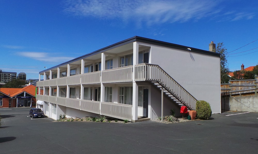 Exterior, George Street Motel Apartments (previously Farrys Motel)