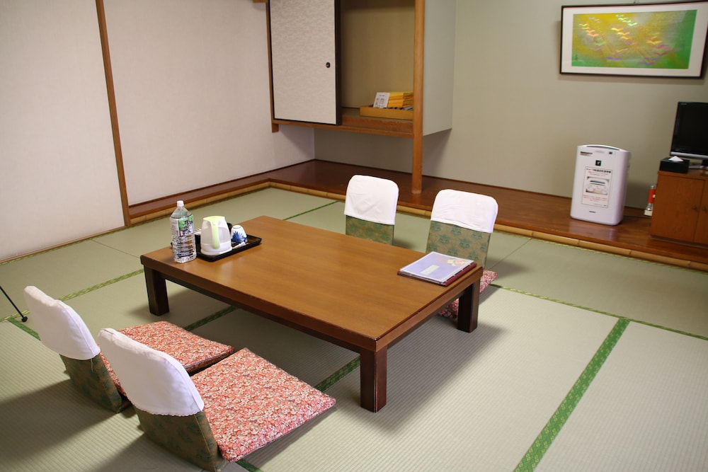 In-Room Dining, Ishicho