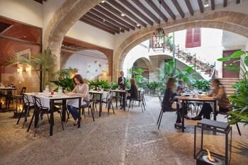 8 Carrer de Sant Francesc, 07001 Palma, Majorca, Spain.