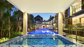 12 indoor pools