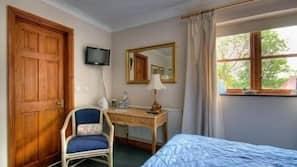 1 bedroom, premium bedding, desk, iron/ironing board