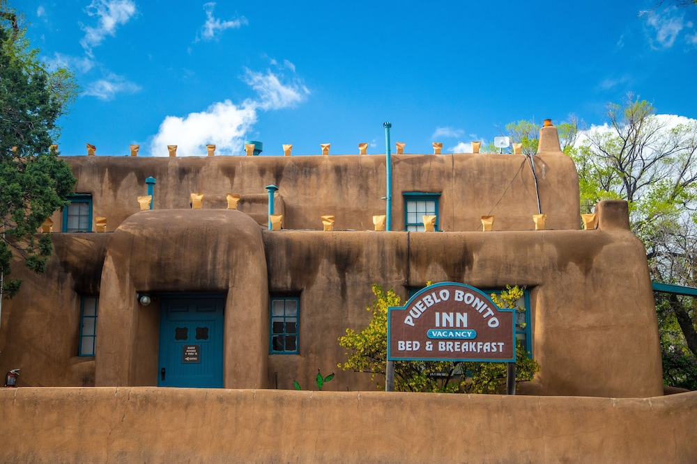Front of Property, Pueblo Bonito Bed and Breakfast Inn