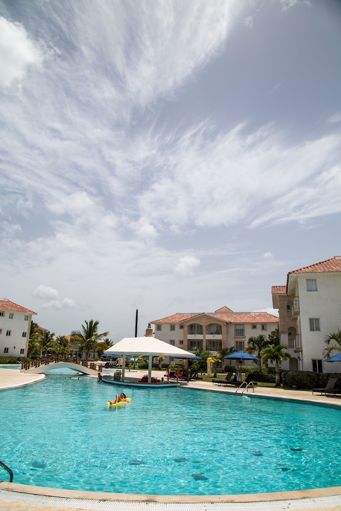 Outdoor Pool, Miranda Bayahibe