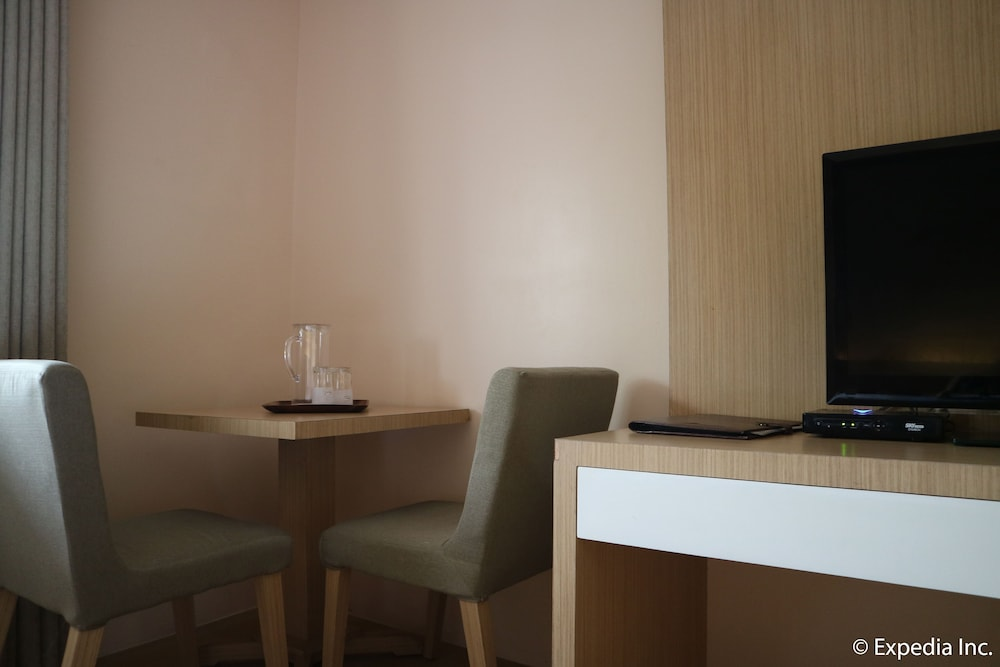 In-Room Dining, Mount Sea Resort