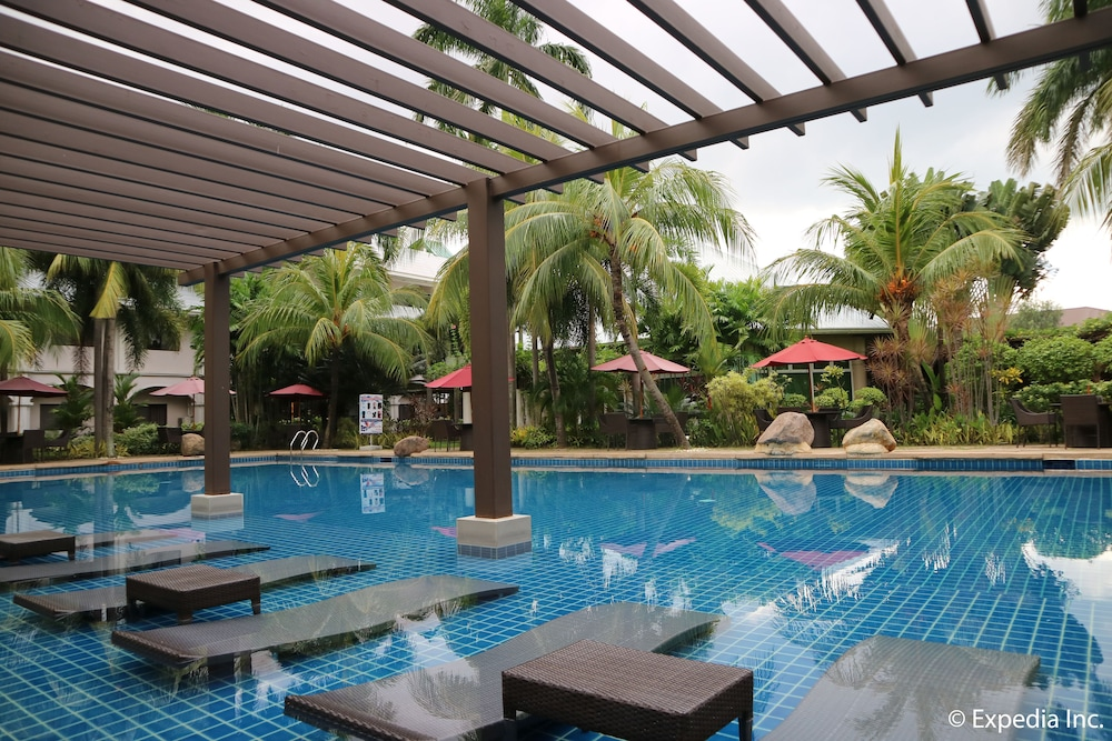 Outdoor Pool, Mount Sea Resort