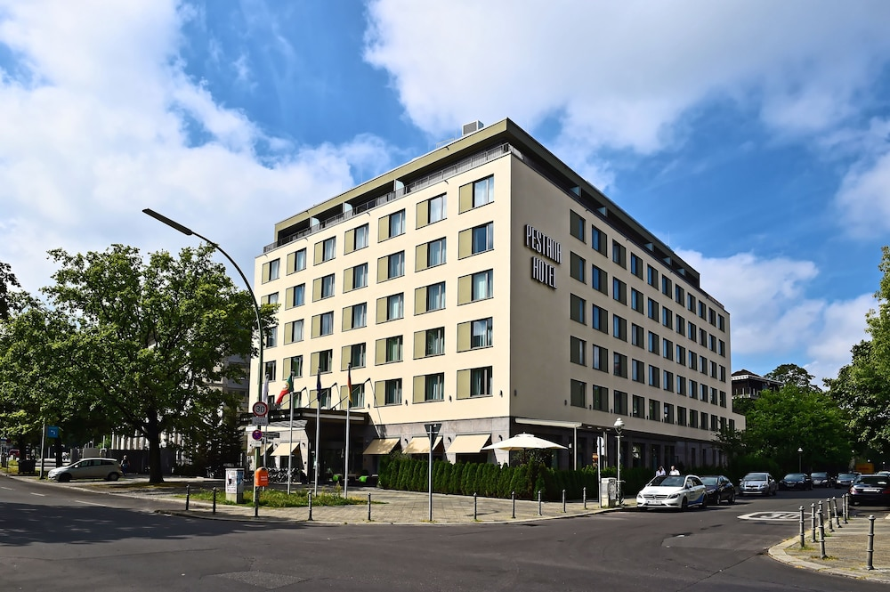 Front of Property, Pestana Berlin Tiergarten