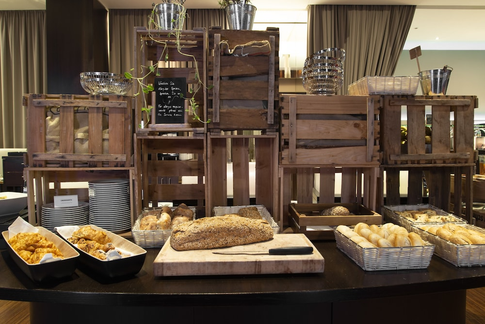 Breakfast buffet, Pestana Berlin Tiergarten