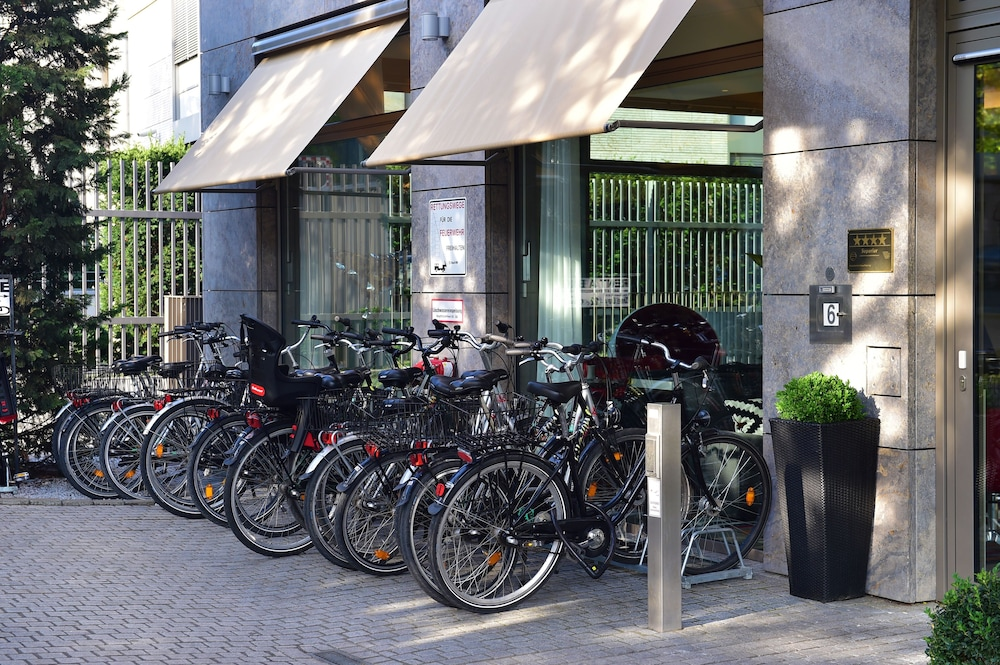 Bicycling, Pestana Berlin Tiergarten