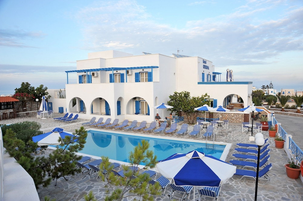Book hotel olympia santorini hotel deals for Hotels santorin
