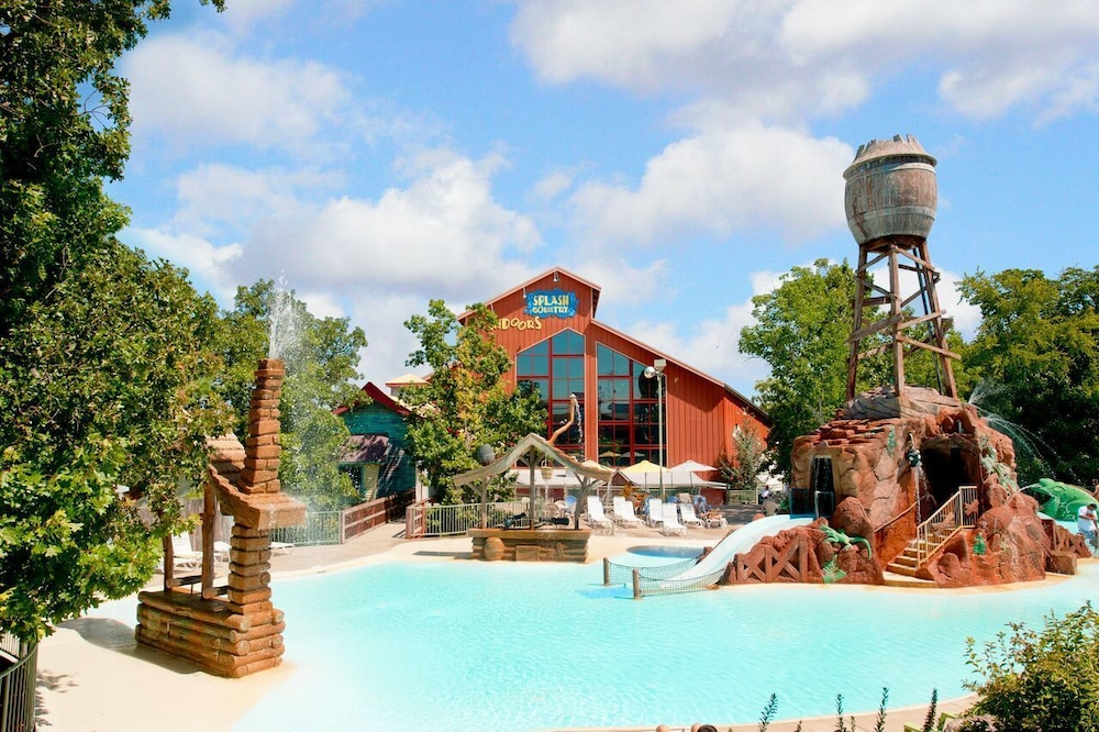 Water Park, Grand Country Waterpark Resort