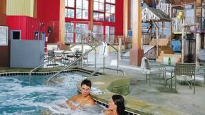 2 개의 실내 수영장, 2 개의 야외 수영장