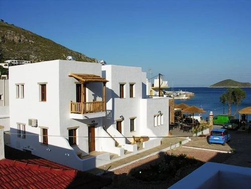 Panteli Beach Studios & Apartments