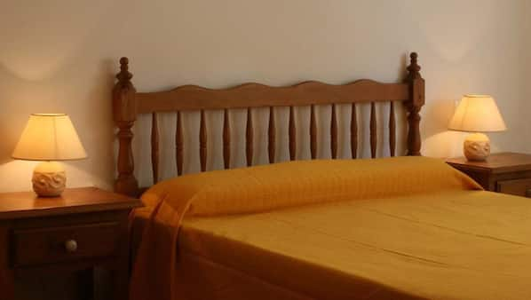 1 bedroom, iron/ironing board, free cots/infant beds, rollaway beds