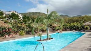 Outdoor pool, open 8 AM to 8:30 PM, sun loungers
