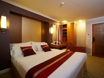 Executive Deluxe Double or Twin  - Guestroom