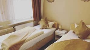 Allergikerbettwaren, Zimmersafe, Schreibtisch, kostenloses WLAN